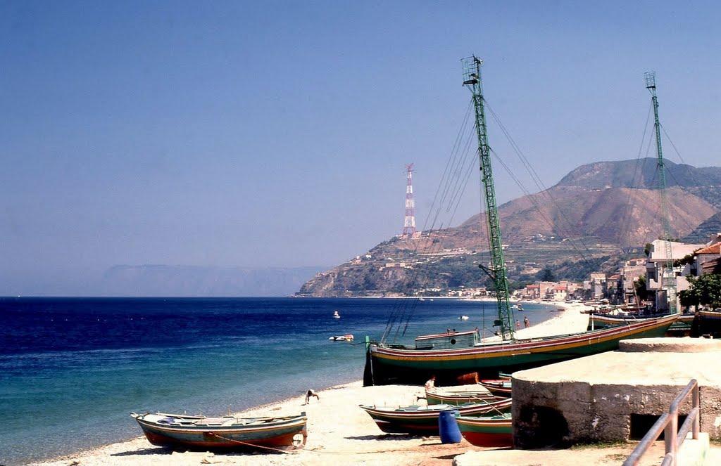Cannitello frazione di villa san giovanni con spiaggia for Amaretti arredamenti villa san giovanni